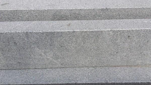 Bord. und Leistenstein Granit anthrazit, 100x25x6 cm