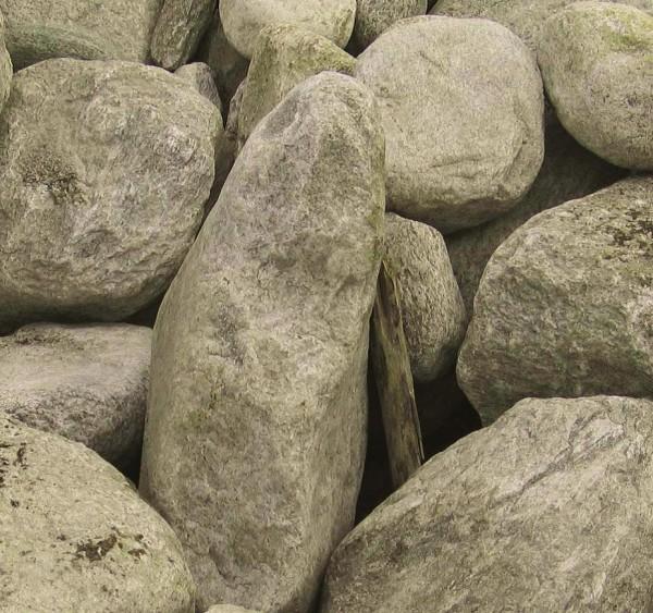 Granit-Gneis Findlinge