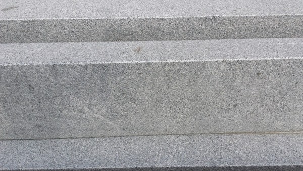 Bord. und Leistenstein Granit anthrazit, 100x25x8 cm
