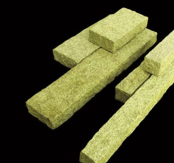 Palisade Granit gelb, gesägt/gestockt, 150 x 12 x 12 cm
