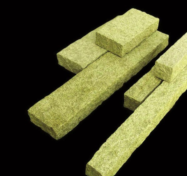 Palisade Granit gelb, gesägt/gestockt, 125 x 12 x 12 cm