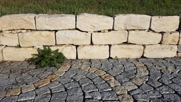 Mauerstein Jura Trockenmauerstein